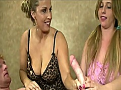 Xhamster Movie:Busty mother and not hetr daug...