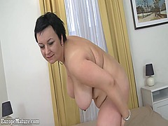 Old brunette mature sh...