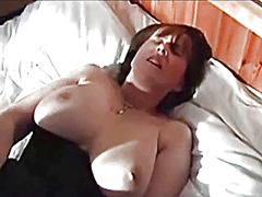Thumb: Mature milf getting off