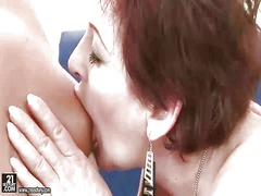 Teen fucks hot granny with strapon