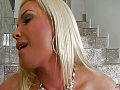 Diamond foxxx does stripte... - 05:01