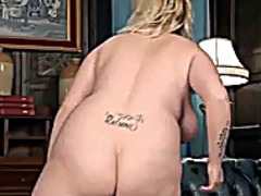 Chubby blonde showing ... from Xhamster