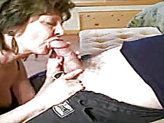 Private Home Clips Movie:Older lady engulf