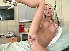 Shawna lenee with clean pussy has dildo-hungry cunt