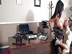 Yobt Movie:Courthouse crotch slam close t...