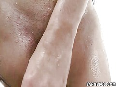 Thumbmail - Amateur she lathers up...