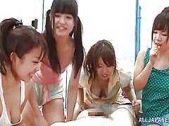 Yobt Movie:The few japanese gals share so...