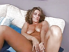PinkRod Movie:Brunette puts on a solo show y...