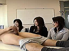 3 japanese women watch... - Xhamster