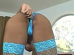 Vporn Movie:Tyra gets the party started early