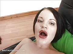 Tube8 Movie:Rita fits her entire fist in t...