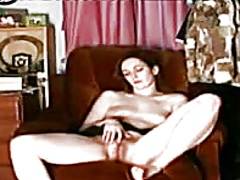 Thumbmail - angel masturbates on t...