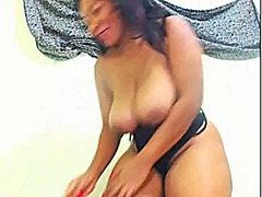Xhamster Movie:Webcambabe showing her body