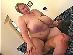 Older big beautiful wo... - Private Home Clips