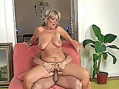 Mature blonde gapes her pussy fucking...