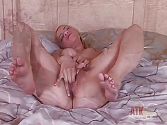 PinkRod Movie:Blonde mae olsen touches her k...