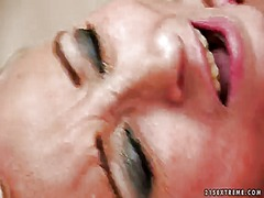 PinkRod Movie:Blonde nesty looks for a chanc...