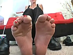Jennas sweaty feet video