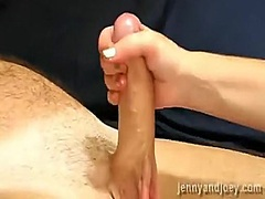 Giving spouse a pleasa... - Private Home Clips
