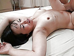Mature japanese woman fucks