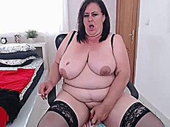 Alluring mature hot from Xhamster