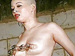 Xhamster Movie:Introducing a bald slave