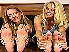 Samantha's big feet - 08:49