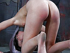 Clamped up girl gets h...