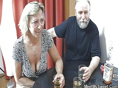 Her bf drunk and she f... - Tube8