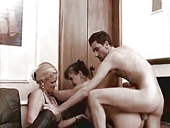 Dilettante older swingers 3some