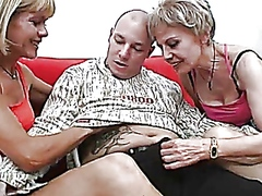 Amateur threesome with... - Vporn