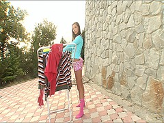 Pink vibrator fits wel... video