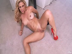 PinkRod Movie:With big breasts and shaved be...