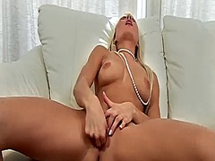 Hotshame Movie:Anneli with tiny tits and clea...