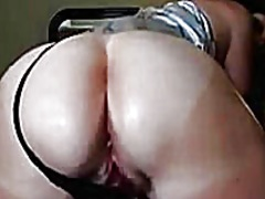 See: Married Milf Showing i...