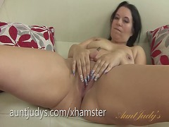 Xhamster Movie:Mature louise bassett plays wi...