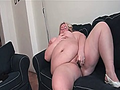 Thumb: Bbw undresses and mast...