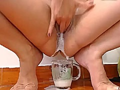 Private Home Clips Movie:Sluts fill glass with cum