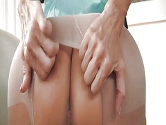 Xhamster Movie:Sexy mature in pantyhose