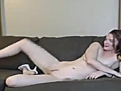hot babe fingering pussy video
