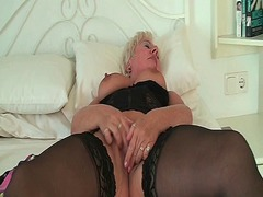 Xhamster Movie:Grandma's night out starts wit...