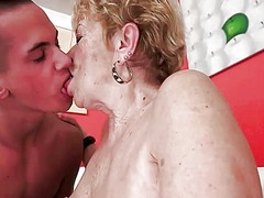 Young man fucks old bi...