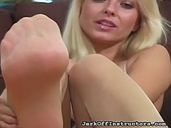 Ah-Me Movie:Shaved slit feet look outstand...