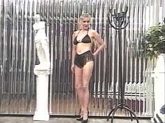 Xhamster Movie:Horny blonde moans while playi...