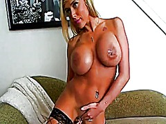 Sexxy blonde toys on cam video