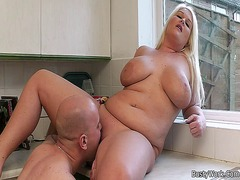Blonde bbw gets licked... video
