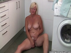 Xhamster Movie:Grandma takes a masturbation b...