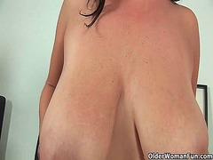 Mom massages her natur... video