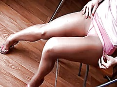 Xhamster Movie:Sexy legs in pantyhose