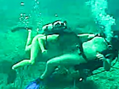 Scuba sex on the reef ... preview